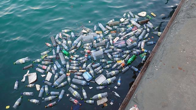 plastic-waste-oceans