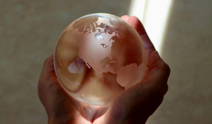 El Clima Mundial Está en Nuestras Manos/The World's Climate Is in Our Hands